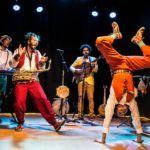 Grupo MÚ apresenta 'Nesse Mundo Maluco' no Theatro do Abelardo