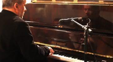 Fernando Corona toca Villa-Lobos na Biblioteca Pública na terça-feira, dia 20